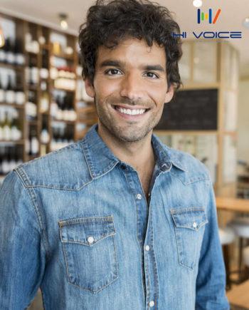 ルカ - 知的な中低音ボイスのフランス語ナレーター